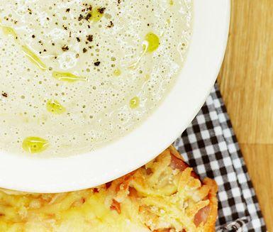 Champinjonsoppa med varm macka