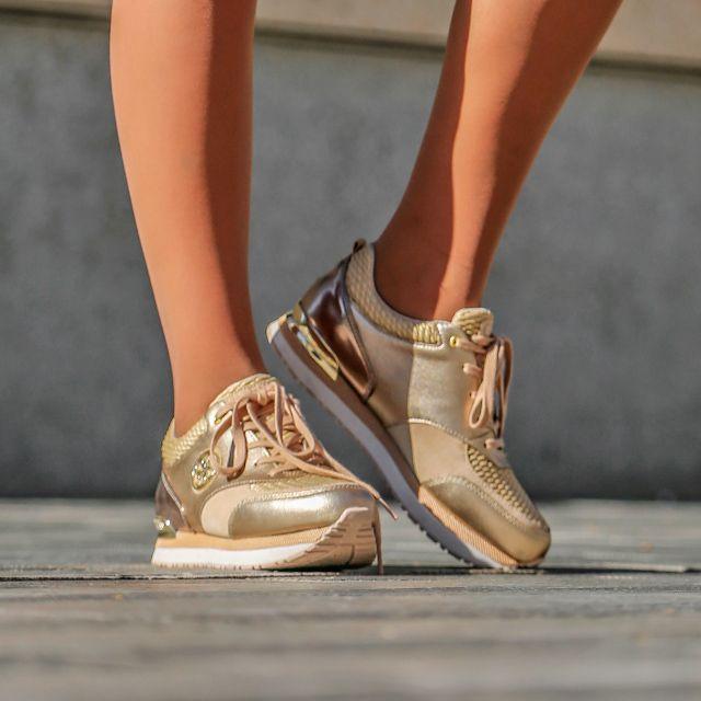 Recuerda que, hasta el 11 de diciembre tienes un 15% de descuento adicional al comprar en nuestra Shop on-line con el código promocional  SUPERPUENTE   https://www.zapatosmayka.es/es/catalogo/mujer/guess/deportivos/zapatillas/121015260867/flrim4/