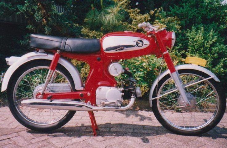 Stoltes Showroom - Honda C320A