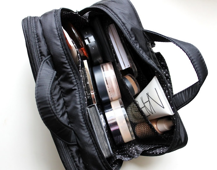 Lil Lady's Life: My Travel Make up Bag