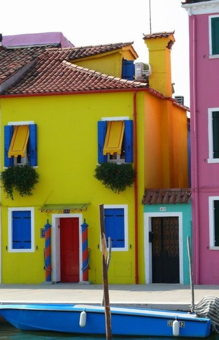 Burano, Italy  love the colorsHome Colors, Buy A House, Favorite Places, Magic Colours, Colors House, Burano Italy, Venice Italy, Small House, Bright Colors