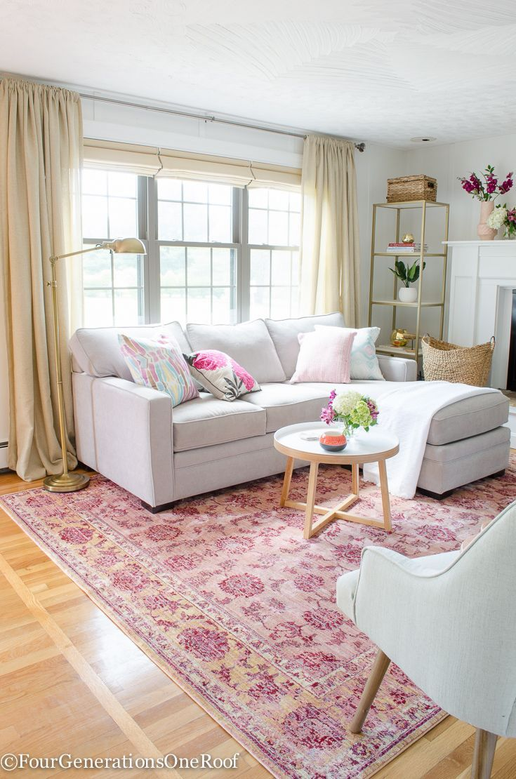 Summer Navy + Pink + Coral styling tips | Love this pink rug from @homegoods + accent chairs (sponsored)
