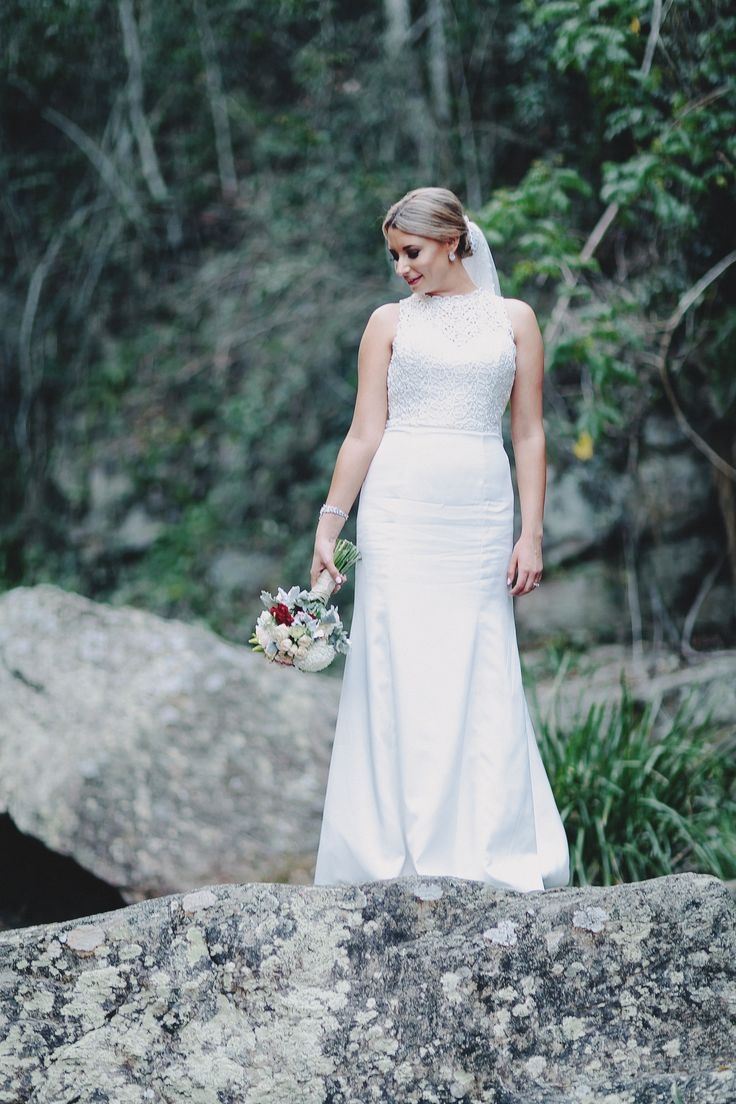 Beautiful Bride. Ivory dress and a pop of red. Classic romantic vintage inspired wedding. Photography by Juddric Photography. www.summerdean.com.au
