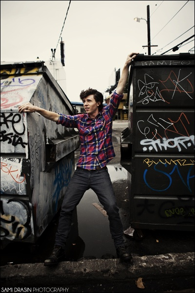 Charlie McDermott lettin it hang loose by dumpsters....wow. Well, he makes the muggers in the nyc allies jealous of his good looks. Step up....ish.