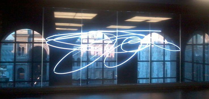 Lucio Fontana – Struttura al neon
