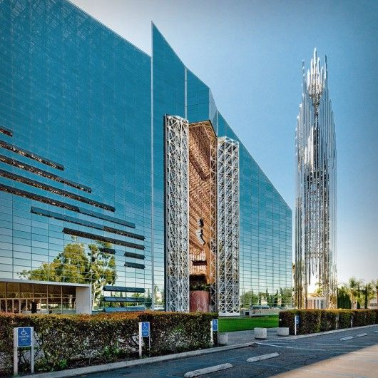 The Crystal Cathedral / Philip Johnson