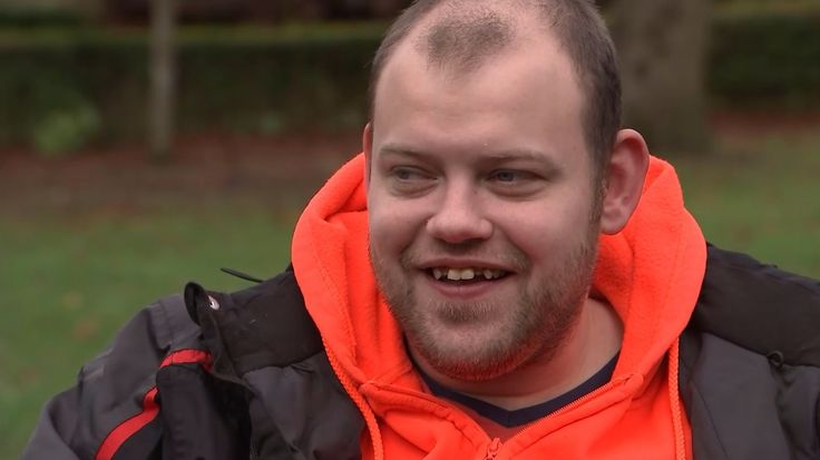 Inspiring Britain: Glasgow's cheerful litter-picker on a mission to make a difference to his city https://www.itv.com/news/2017-11-24/inspiring-britain-glasgows-cheerful-litter-picker-on-a-mission-to-make-a-difference-to-his-city/
