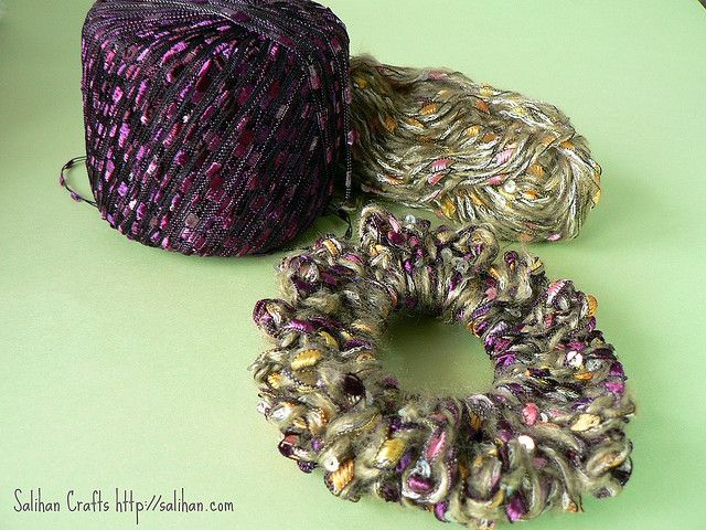 Crochet Hair Ribbon Pattern : 1000+ images about Crochet hair ties on Pinterest Free pattern ...