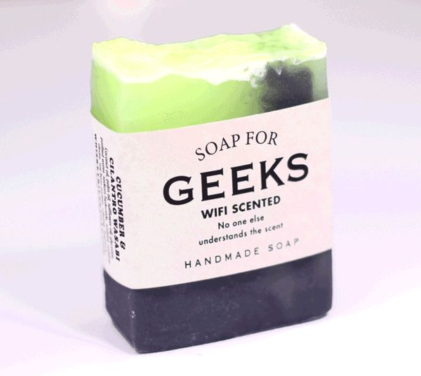 Soap for Geeks looking at the actual scent ingredients on the side, that actually sounds really good