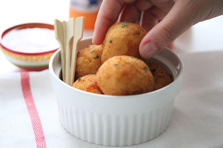 Kaas liefhebbers opgelet! Deze krokante cheese balls zijn gewoon het einde! Ik maakte ze een paar weken terug en iedereen was opslag verliefd! Ze zijn zo gemakkelijk klaar te maken en je eet er ook…