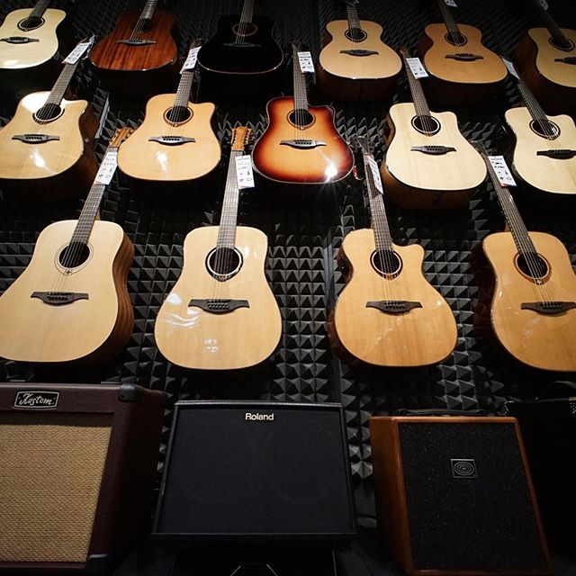 Empire strikes back! #muziker #guitars #acoustics #amps