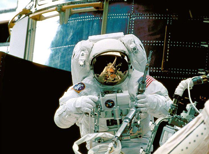 El 23 de abril de 1990 se lanzó al espacio el telescopio Hubble y a 25 años de…