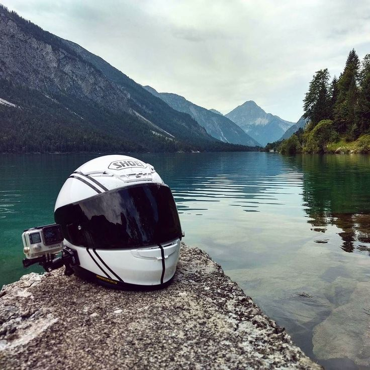 Some awesome scenery today riding with Phil Tonic and Red Renna  #shoei #helmet #lid  #gopro #hero #hero4 #austria #mountains #lake #scenic #views