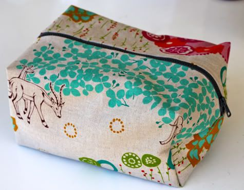 A tutorial on how to make your own boxy cosmetics bag.