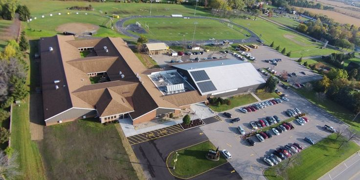 TOUCH this image: Shoreland Lutheran High School by Andrew Willems - Love the way this HS highlights their programs and their students through this Thinglink