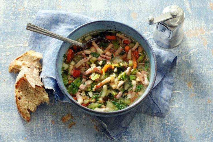 Binnen 10 minuten een vers soepje op tafel? Het kan! - recept - Allerhande