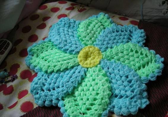 Çiçek desenli örgü lif
