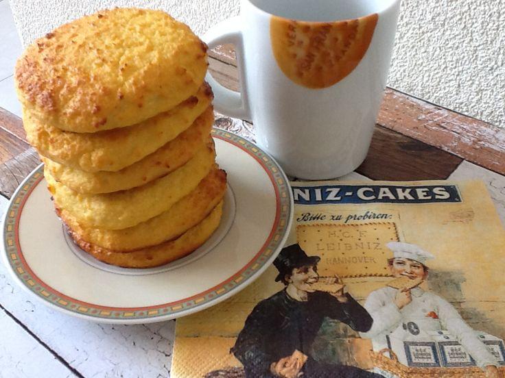 Eierkoeken die ik later heb omgetoverd tot mijn scones van kokosmeel. Zie recept op www.devoedingsapotheek.nl bij tussendoortjes.