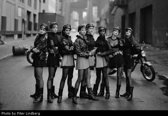 Линдбергу позировали Наоми Кэпбелл (Naomi Campbell), Линда Евангелиста (Linda Evangelista), Татьяна Патиц (Tatjana Patitz), Кристи Тарлингтон (Christy Turlington), Синди Кроуфорд (Cindy Crawford), Клаудия Шиффер (Claudia Schiffer)и другие легендарные модели 90-х.