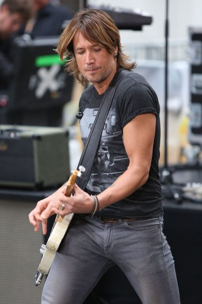 Keith Urban - Keith Urban Performs in NYC Today Show 9/10/13