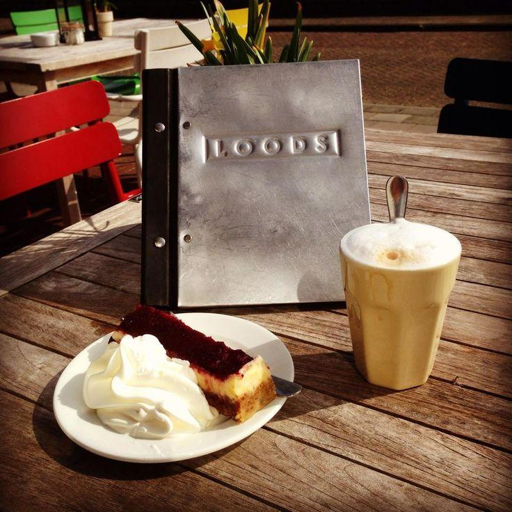 Koffie met cranberry cheesecake bij Loods op West