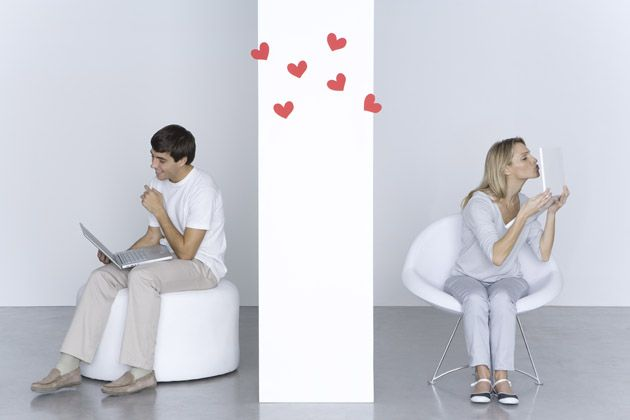 We can all learn a thing or two from couples that are in long-distance relationships!