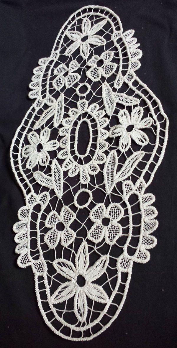 Vintage roumain fait main ovale Macramé au par ScrantonAttic