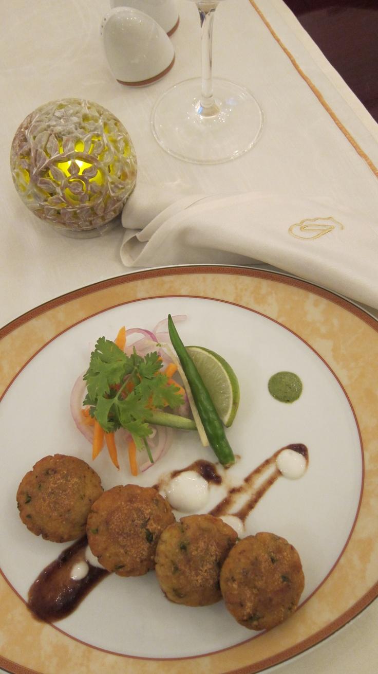 Taste our Amritsar's Tandoori Aloo Tiki @ Gharana Street Food Night Every Saturday.