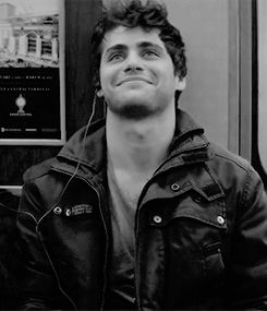 Okay I am officially in love with Matthew Daddario