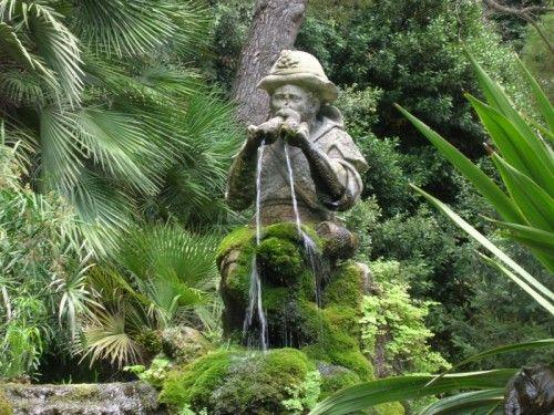 Caserta - fontana del pastore che suona il flauto-giardino inglese Parco della Reggia di Caserta