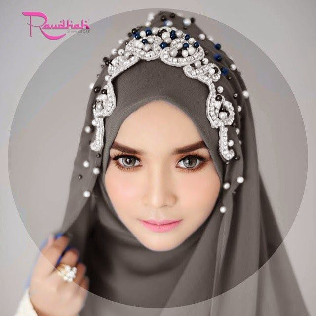 Wedding Hijab: SET QISHA DAUN DARK GREY BEADS SILVER