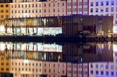 Mathallen - Bergen (Aviation & Maritime) Tags: longexposure nightphotography reflection norway night mirror bergen vågen b13 fisketorgetibergen mathallen