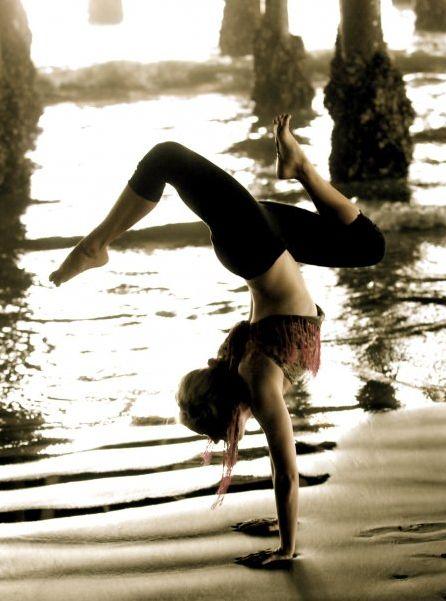 Yoga: Yoga Fit, Yoga Girls, Fit Diet, Fitness Inspiration, Fit Inspiration, Dance, Handstand, Yoga Beautiful, Fitness Wellness Inspiration