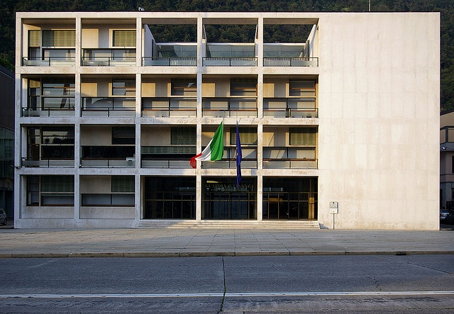 casa del fascio, via Flickr.