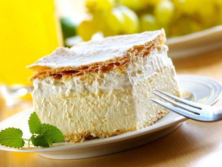 Reteta culinara Cremes cu crema simpla de galbenus din Carte de bucate, Dulciuri. Specific Romania. Cum sa faci Cremes cu crema simpla de galbenus