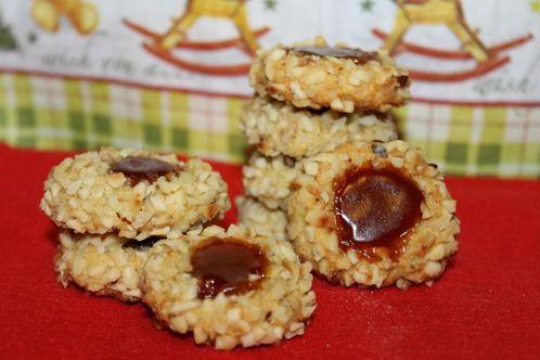 German husaren cookies filled with rose hip jam find german recipes