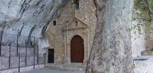 Buendía en Cuencaes un pueblo que nos permite realizar múltiples actividades debido a su riqueza natural, cuenta con empresas demultiaventuraen las que en Cuenca