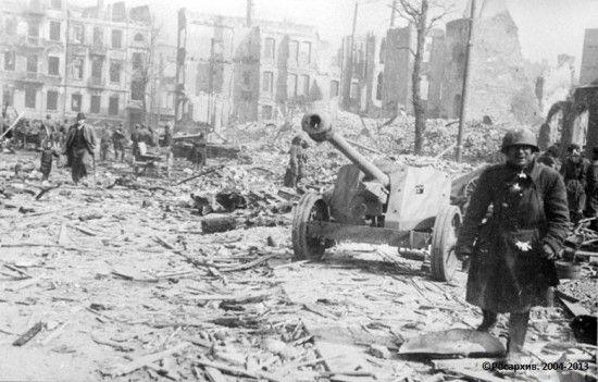 Unikatowe zdjęcia Gdańska po wkroczeniu wojsk radzieckich w 1945 r.; wojna, zdjęcia, wojska radzieckie, dawne zdjęcia, dawne fotografie, zdj...