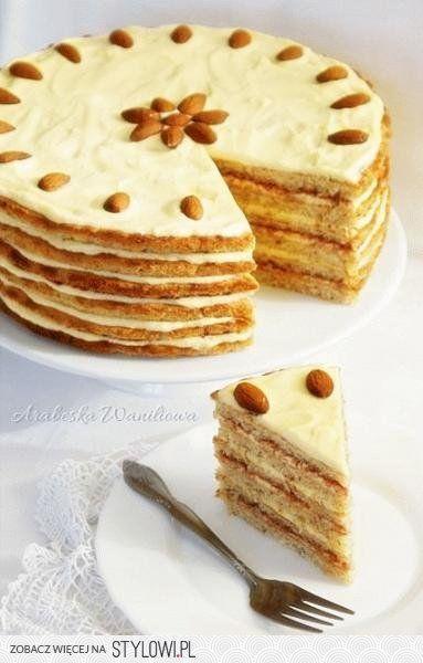 Przepis: Tort kokosowo-migdałowy z kremem śmietankowym… na Stylowi.pl