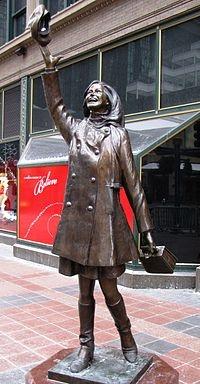 Mary Tyler Moore Statue...Minneapolis