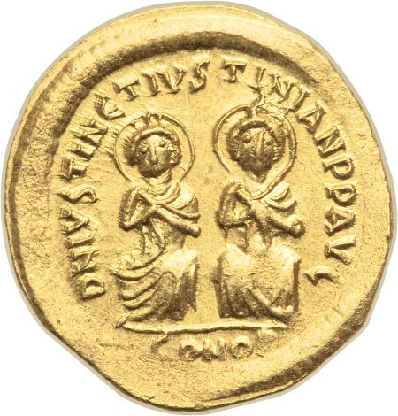 Justin I and Justinian I (4 April-1 August AD 527). AV solidus (21mm, 4.51 gm, 6h)
