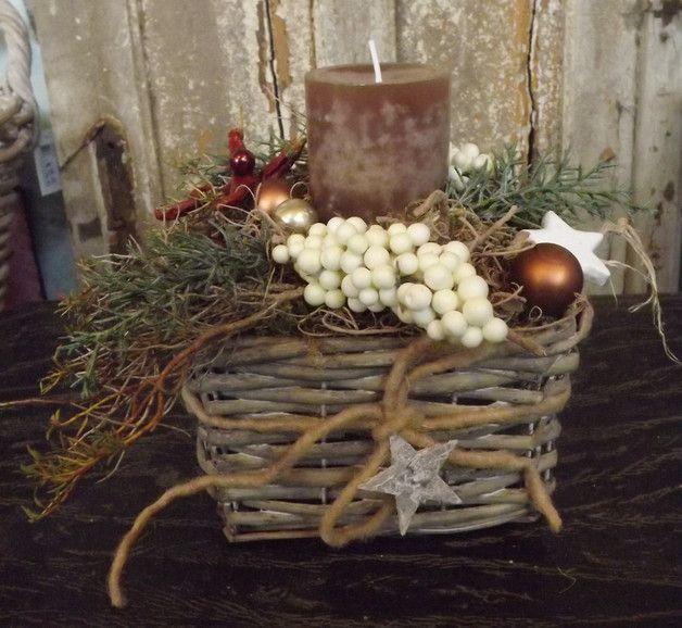 Adventskranz - Adventsgesteck im Weidenkorb,braun-Natur,rustikal - ein Designerstück von die-mit-den-blumen-tanzt bei DaWanda