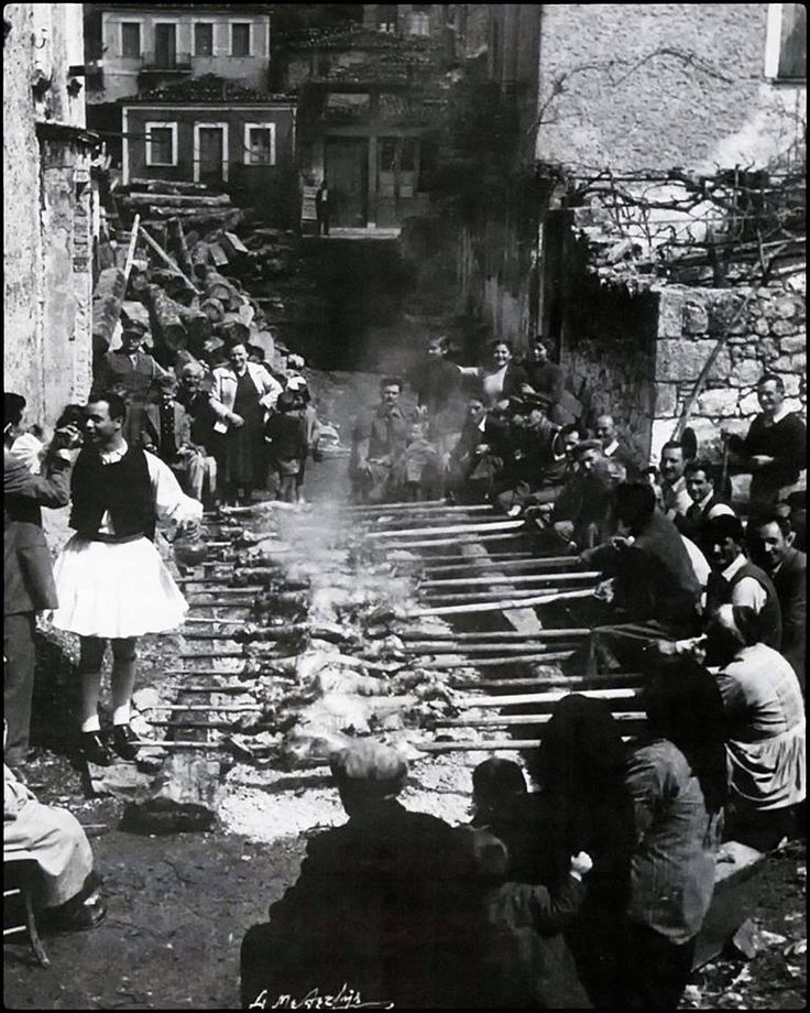 Πάσχα στην Αράχωβα, 1953.φωτ.Σπύρος Μελετζής