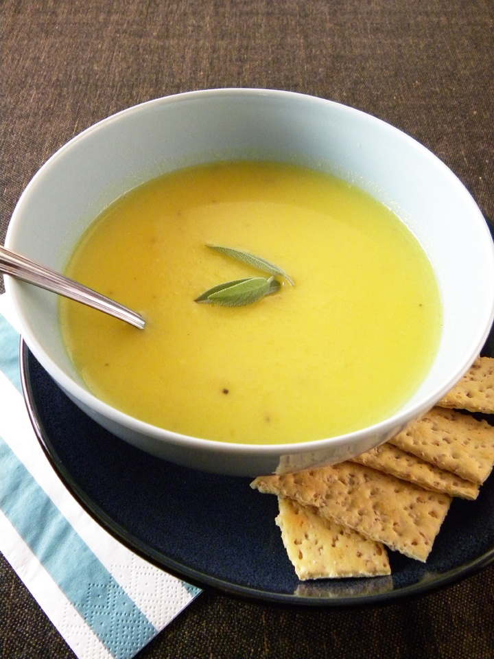 Sweet Peas and Saffron: Creamy Cauliflower Soup with Saffron