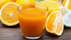 De qué manera el jugo de naranja podría dañar tu salud