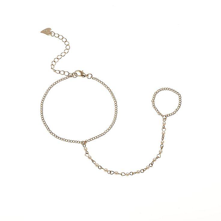 #bracelets #rings #Fashion #trend #Accessories  #woman #fashionwoman #style #diva #trend #beauty #hand #woman