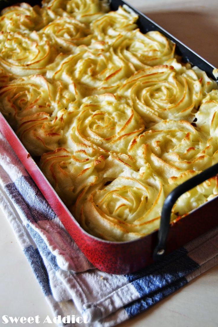 Pastel de patata y carne, receta aquí: http://www.sweetaddict.es/2014/12/pastel-de-patata-y-carne.html