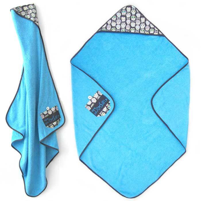 Tutorial que muestra el paso a paso para confeccionar una capa de baño para bebé a partir de una toalla corriente