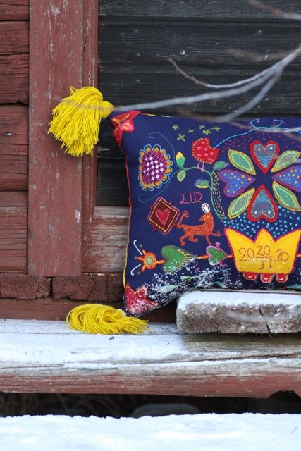 swedish pillows