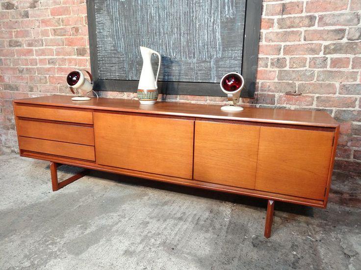 17 beste idee n over teakhouten meubelen op pinterest for Jaren 60 meubelen
